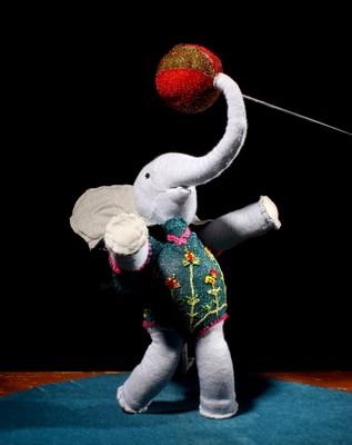 cirque des eléphants jonglage